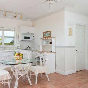 Emerald-Shores-Guesthouse-Upper-Level-Kitchen